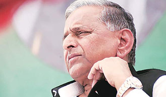 Mulayam Singh cancels expulsion of two proteges of UP CM