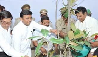 #UnderCleanUPgreenUP Akhilesh government will set World record