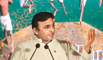CM Akhilesh draws Rs 33,000 cr investment pledge from Industry leaders