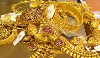 Gold prices decline by Rs. 230 and silver by Rs. 520