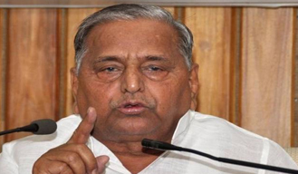 Mulayam Singh warns people to use mobile phones when there is no other option