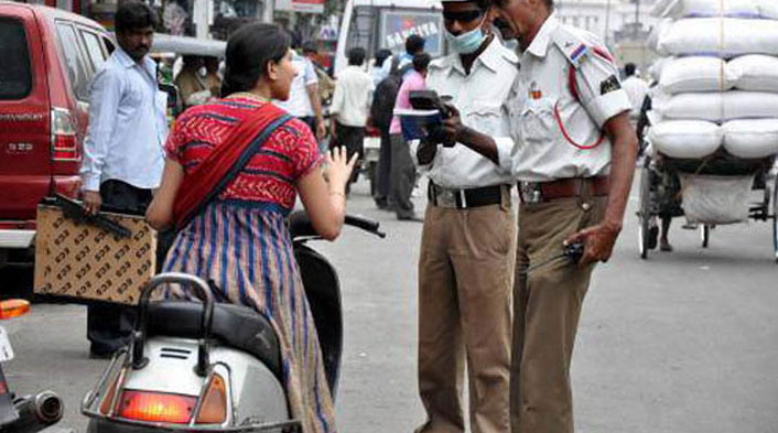 Noida Cops challan 266 vehicles during special drive