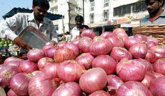Skyhigh price of onions rock the national capital