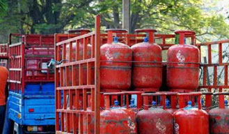 LPG subsidy limited for tax payers earning over 10 lakh